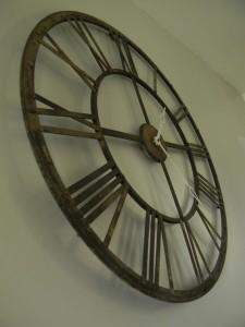 horloge-en-fer-rouillé